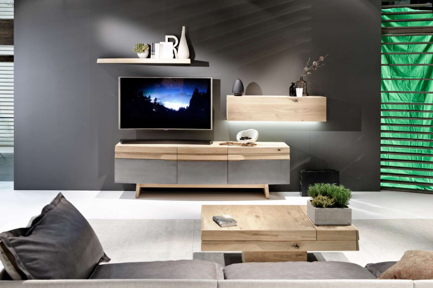 Meuble tv ch ne massif meuble t l ch ne clair design for Meuble tv contemporain design