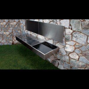 Barbecue et cuisine d'extérieur Krakatoa Fire Luxury accroché sur un mur